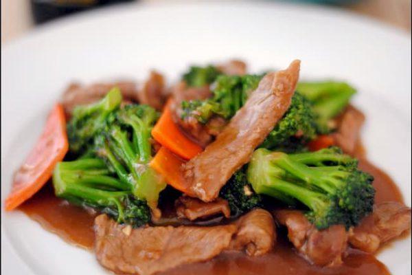 Carne con brócoli