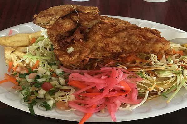 Pollo Chuco Hondureño, receta de pollo con tajadas
