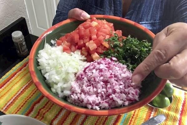 como hacer salpicon guatemalteco