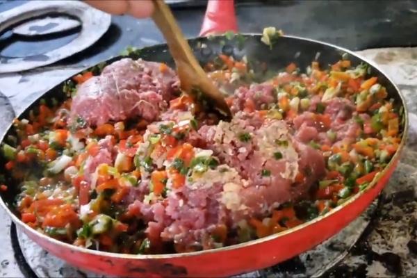 preparación de la carne para garnachas guatemaltecas