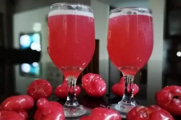 jugo de Pomarrosa o Manzana de Agua